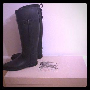 Burberry Rain Boots- impeccable condition!!!